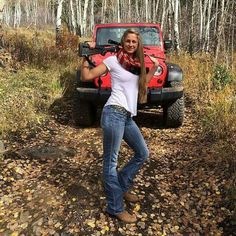 Guns are awesome, girls are awesome, and the two combined together nearly defies the laws of all things awesome. Jeep Wrangler Girl, Jeep Wrangler Unlimited, Jeep Wranglers, Trucks And Girls, Car Girls, Big Trucks, Girls Who Hunt, Jeep Baby, Badass Jeep