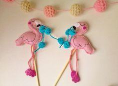 Topo de bolo Flamingos II http://www.elo7.com.br/topo-de-bolo-flamingos-ii/dp/83FD6F