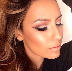 Dewy skin and flattering eye makeup