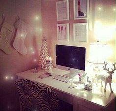 room, christmas, and apple εικόνα