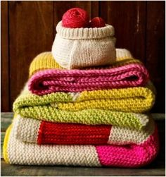 Knitted Throws (342 pieces)