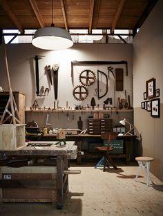 Woodworking Lathe – Art & Craft World Workshop Studio, Garage Workshop, Garage Atelier, Welding Table, Home Studio, Art Studios, Woodworking Plans, Woodworking Machinery, Japanese Woodworking