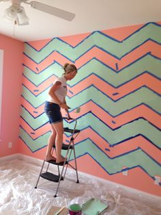 DIY Chevron Wall...different colors though.