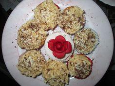 Zondag 10 maart 2013, koffie cupcakes en nog een rooscupcake (restje van de kids kookles).