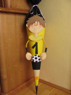Schultüte Fußballer Gelb Zuckertüte Fussball Schulanfang | Etsy