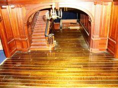 18th Century Georgian Mansion Dollhouse {Grand Staircase}