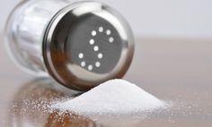 Te presentamos 8sorprendentes usos de la sal para limpiar el hogar que de segurodesconocías. Estos tips te serán muy útiles para resolver situaciones diarias. ¡Presta atención!#8. Sal para