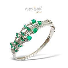 Pretty #Emerald blooms!  #Nayaab #Bracelet #ExclusiveJewellery #pinkcity #BridalJewellery