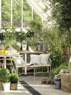 スモールガーデン 海外の小さな庭のアイデア - NAVER まとめ