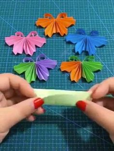 A Japanese Massage to Tone Up Your Face Muscles - Social Wiki Diy Home Crafts, Diy Arts And Crafts, Creative Crafts, Fun Crafts, Crafts For Kids, Paper Crafts Origami, Diy Origami, Paper Flowers Diy, Flower Crafts