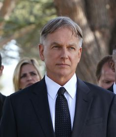 Mark Harmon/Gibbs - Honor Thy Father. Will miss Ralph Waite. Pleased to see CBS & NCIS mark his passing in a tribute episode. Gibbs Ncis, Leroy Jethro Gibbs, Ralph Waite, Kate Todd, Timothy Mcgee, Gibbs Rules, Ncis Cast, Ncis New, Mark Harmon