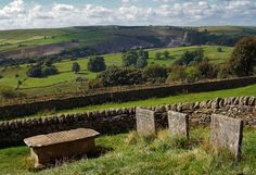 East of the village of Eyam, Elizabeth Hancock buried her husband and six children here during 8 days in August 1666 who all died of the plague Days In August, Peak District, Derbyshire, British Isles, All Pictures, Ghosts, Day Trips, Countryside, Britain