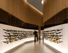 Mistral wine and champagne bar by Studio Arthur Casas, São Paulo store design