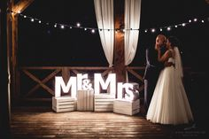 Podświetlane litery. Mr&Mrs zdjęcie www.ledzinski.pl Dekoracje - www.edan-art.pl