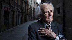 """""""Estamos todos numa solidão e numa multidão ao mesmo tempo"""". Zygmunt Bauman"""