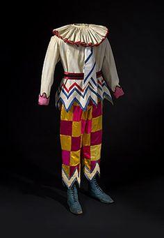 Nijinsky to Nureyev – The Ballet Russes Enduring Legacy Tutu Ballet, Theatre Costumes, Ballet Costumes, Royal Ballet, Clown Clothes, Circus Costume, Mardi Gras Costumes, Nureyev, Russian Ballet