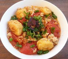 How to make Vietnamese Crab Noodle Soup - Bun Rieu Recipe.