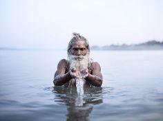 強い眼差し。インドの聖なる男たちを撮影した写真シリーズ「Holy Men」