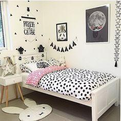 Decor (super dica: pra quem quer fazer o quarto do filho(a) preto e branco na MOOUI tem super de corações incriveis https://instagram.com/amomooui/)