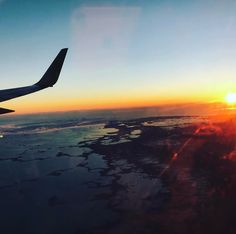 It's been a great 8months in Canada but is time to go home       #traveling #inthesky #skymiles #sunset #sunrise #view #travel #summerhereicome #bvi #miami #canada #americanairlines #ocean #caribbean #hometime #takemeback #vacation #paradise #hereicome #howbowdah
