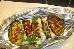 Auberginen-Zucchini-Fetapäckchen, ein leckeres Rezept aus der Kategorie Barbecue & Grill. Bewertungen: 180. Durchschnitt: Ø 4,4.