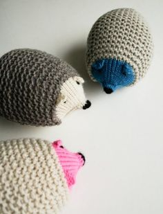 These make me want to finally learn how to knit! Free pattern: Knit Hedgehogs http://www.purlbee.com/the-purl-bee/2013/2/9/whits-knits-knit-hedgehogs.html