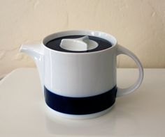 vintage Thomas German teapot - Brushed Cobalt