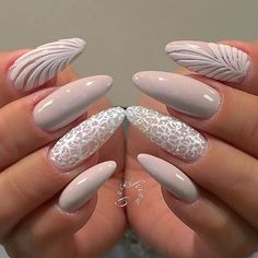 Nude Nails: 30 Nude Color Nail designs From minimalistic matte manicures to unique metallic, beaded nude nail art, we've gathered 30 of or favorite most beautiful nude nail designs for inspiration. Prom Nails, Long Nails, Wedding Nails, Gorgeous Nails, Pretty Nails, Nude Nails, My Nails, Coffin Nails, Ongles Beiges