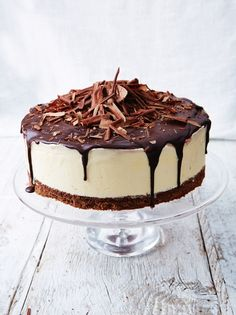 """Black forest frozen cheesecake --- """"This is a great make-ahead dessert that will definitely impress your guests! """" -- Filling of Dark cherries, clementines, cream cheese, cream (Jamie Oliver) Chocolate Butter, Chocolate Biscuits, Chocolate Recipes, Chocolate Cheese, Decadent Chocolate, Frozen Cheesecake, Cheesecake Recipes, Dessert Recipes, Black Forest Cheesecake"""