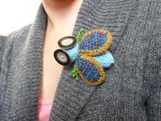 Crocheted blue fly brooch – a unique product by LolaFUN. Via en.DaWanda.com.