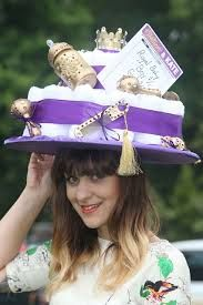 Royal Baby hat Spotted At Royal Ascot 2013 Fancy Hats, Cool Hats, Races Fashion, Fashion Hats, Royal Ascot Hats, Types Of Hats, Hat Day, Crazy Hats, Derby Day