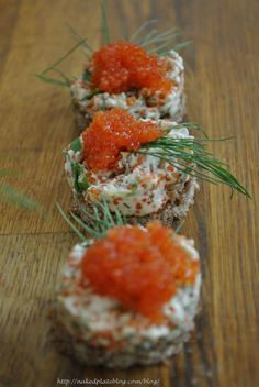 Canapes with Cavi-art & dill vegan mayo mixture Finnish Cuisine, Finland Food, Nordic Recipe, Finnish Recipes, Caviar Recipes, Scandinavian Food, Appetizers For Party, Other Recipes, Food Inspiration