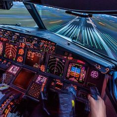 Feel the speed!!! B737 flight deck in action, seconds before touchdown :) pic by @juanobr #737 #boeing #B737 #boeing737 #boeinglovers #flightdeck #cockpit #pilot #pilotlife #aviapics4u #travel #aviation #plane #flight #airplane #instatravel #airport #avgeek #aircraft #planes #airplanes #instaplane #planespotting #aviationlovers #spotting #megaplane #aviationgeek #planespotter #planeporn #instagramaviation
