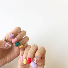 nails - - - - - ~ - - - - - 1 x) 010 8991 5115 80s Nails, Glow Nails, Pink Nails, Nail Design Stiletto, Nail Design Glitter, Gorgeous Nails, Pretty Nails, Nail Colors For Pale Skin, Super Cute Nails