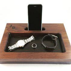 Kommode/Nachttisch Veranstalter - Docking Station - iPhone Dock - Tech Organizer - Handy Stand - personalisierte Geschenk - Geburtstagsgeschenk