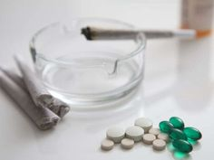 Veterans face ultimatum: Pills or pot