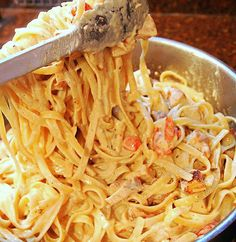 "cajun chicken alfredo - pinner says ""possibly my favorite food. nom."""