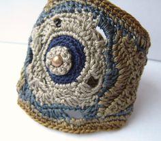 Moon Flower Ipomoea alba Freeform Crochet Cuff bracelet in Soft Cotton Botanical Collection | par anadiazarte