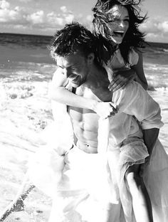Where's Dianna? Oh she's on the beach getting piggy-back rides from the hot 6-pack...