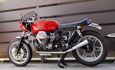 There's a select group of European motorcycles from the 1970s that have grown in reputation as time goes by. The BMW R-series is one, and Moto Guzzi's Le Mans is another. Foibles and weaknesses pointed out by contemporary road tests are forgotten, and style and originality come to the fore. This modified Moto Guzzi 850…