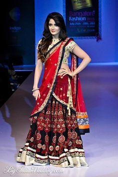 Sagar Tenali bridal lehenga