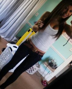 simple, cute. Just a tank,jeans and a belt. I'd do this.