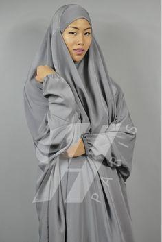 Hiya Paris- presentation of Jilbab al Moultazimoun