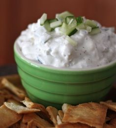Made this for dinner and turned soo good! A simple and delicious Cucumber and Feta Greek Yogurt Dip perfect for any get-together that requires snacking. Dip Recipes, Appetizer Recipes, Cooking Recipes, Greek Recipes, Kitchen Recipes, Antipasto, Pesto, Yogurt Dip Recipe, Tapas