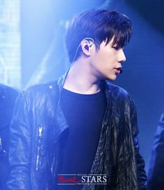20161007 Arirang Simply K-POP #INFINITE #SungKyu << That hair is fucking sexy...  That whole look.. I'm actually annoyed at how frustrating it is right now...