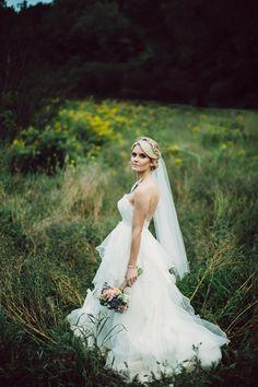 Modern Omaha Nebraska wedding | Photo by The Mullers | Read more -  http://www.100layercake.com/blog/?p=84719