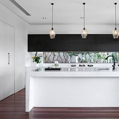 Modern Kitchen Design Type of Project: Residential Designers: Adrianna Doueihy Location: Earlwood NSW Completion: November 2017 - Type of Project: Residential Designers: Adrianna Doueihy Location: Earlwood NSW Completion: November 2017 Home Design, Luxury Kitchen Design, Luxury Kitchens, Küchen Design, Interior Design Kitchen, Interior Decorating, Design Ideas, Design Basics, Design Trends