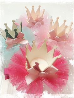 Best 12 Princess Party Favors Princess Party Ideas Gold by ModParty Más – SkillOfKing. Baby Shower Card Sayings, Baby Shower Invites For Girl, Girl Shower, Baby Shower Parties, Baby Shower Themes Neutral, Elegant Baby Shower, Baby Shower Centerpieces, Baby Shower Decorations, Princess Aurora Party