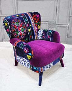 Patchwork armchair with Suzani fabrics You are in the right place about home design iskandinav Here Funky Furniture, Colorful Furniture, Painted Furniture, Purple Living Room Furniture, Furniture Design, Painted Dressers, Velvet Furniture, Painted Chairs, Furniture Chairs