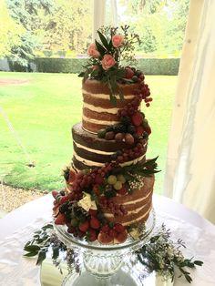 Cake flowers September Wedding Flowers, Cake Flowers, Seasonal Flowers, Desserts, Food, Tailgate Desserts, Deserts, Essen, Postres